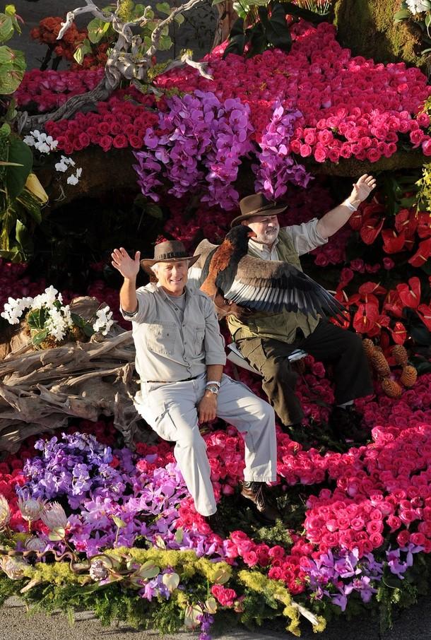 13) Любитель животных Джек Ханна участвует в параде вместе со своим пернатым любимцем. (Alberto E. Rodriguez/Getty Images)