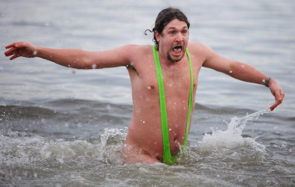 Смешные картинки мужик в купальнике, аудио поздравления