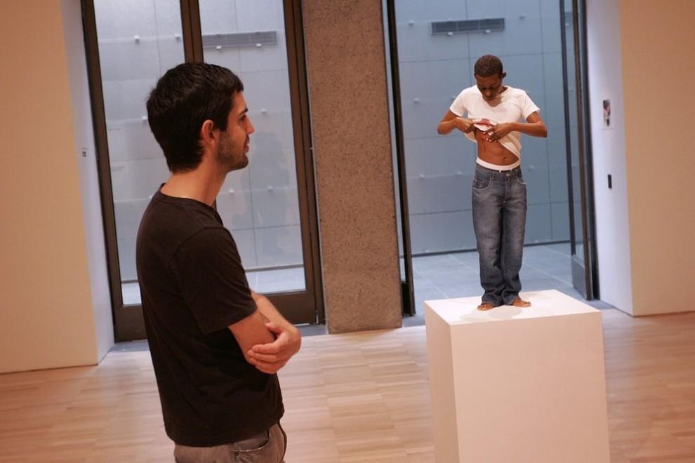 """6) Экспонат под названием """"Юноша"""". (Raoul Wegat/Getty Images)"""