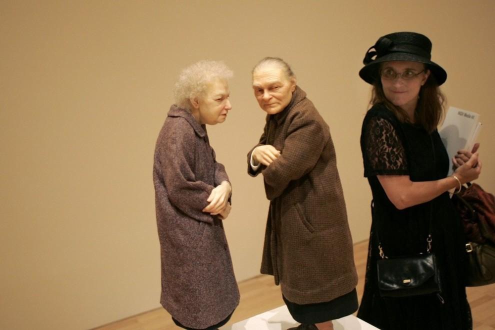 "2) Скульптура ""Две женщины"". (Raoul Wegat/Getty Images)"