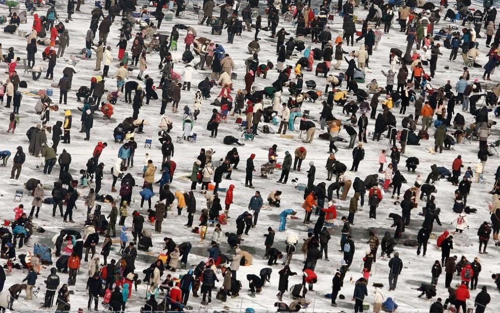 4) Проходит фестиваль на протяжении трёх недель на озере под названием Хва-чхон. (Chung Sung-Jun/Getty Images)