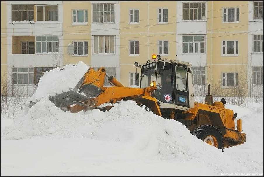 7) Снег убирают сразу, а не как у нас.