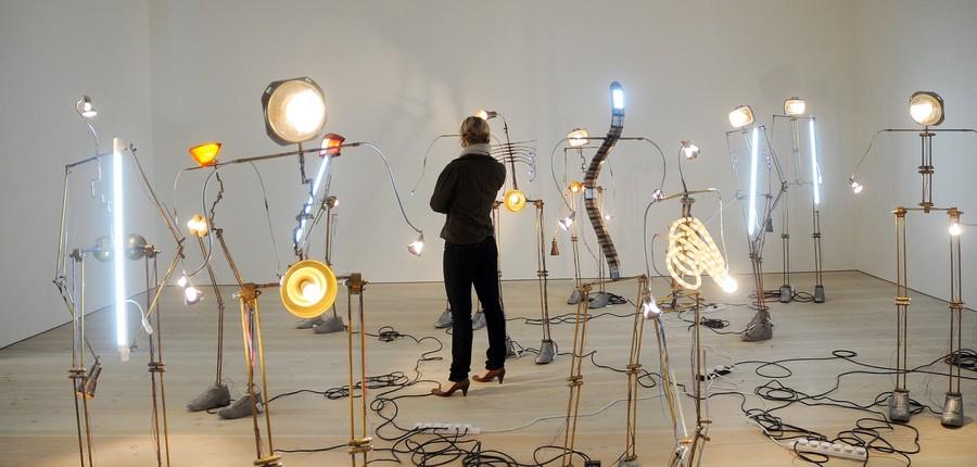 16) Инсталляция художника Тушара Джоага (Tushar Joag).