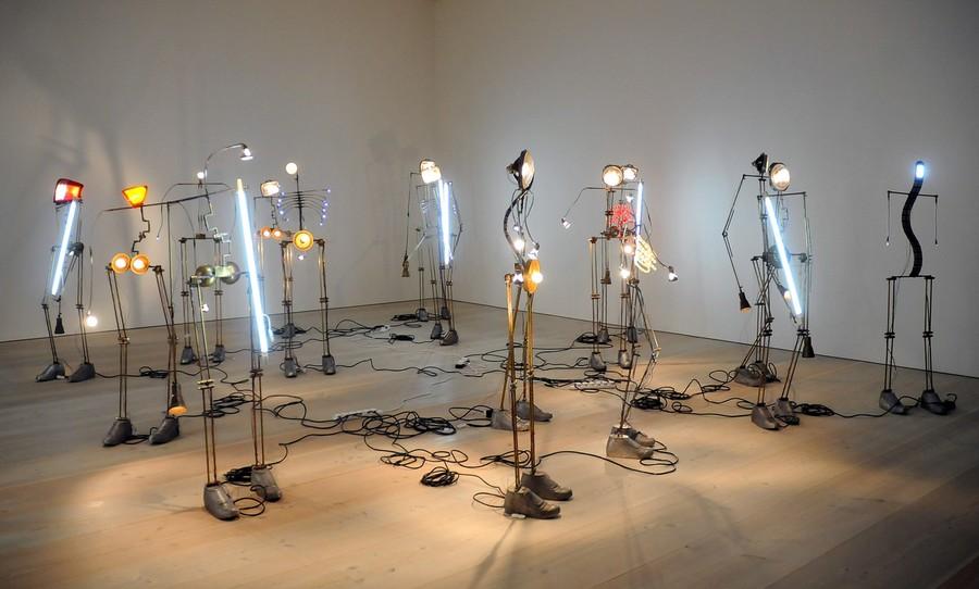 20) Инсталляция художника Тушара Джоага (Tushar Joag).