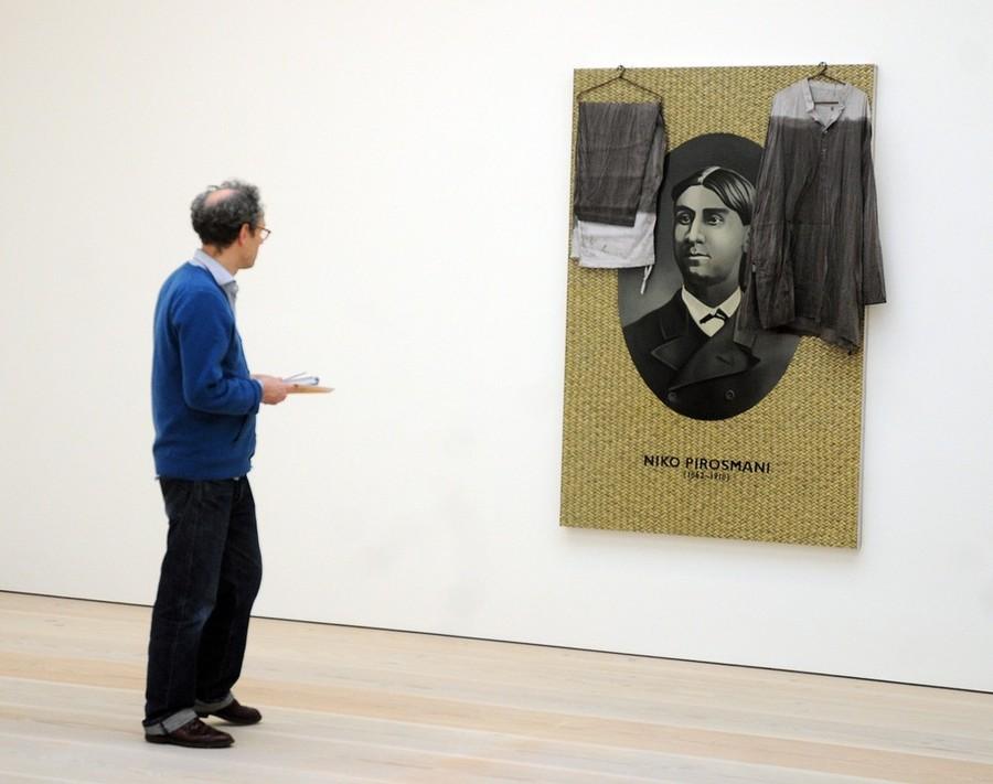 7) Произведение художника Атула Додия (Atul Dodiya), чья работа «Три художника» была куплена в октябре 2007 года за 450 тысяч долларов (322 тысячи евро).