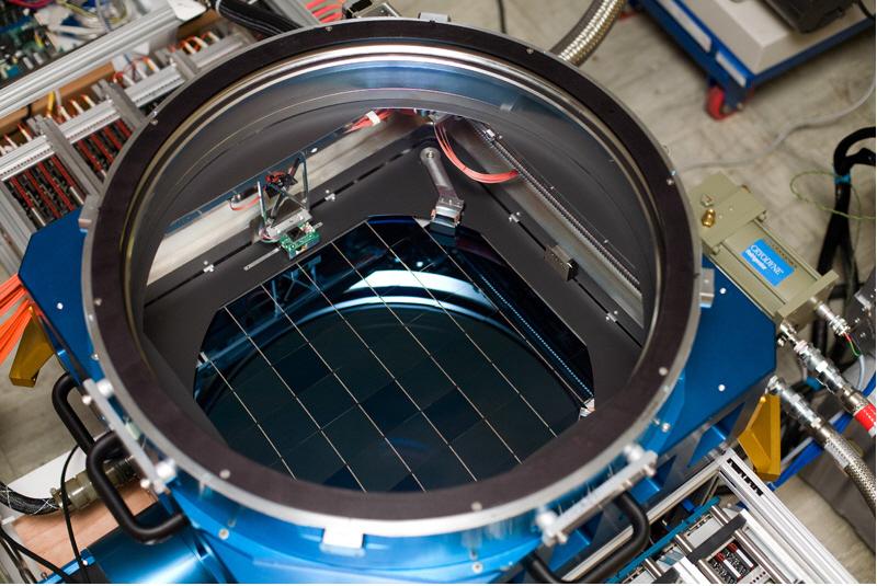 9) К слову об огне: фотографии звезд. Конечно, в далекое светило камеру не засунешь, но с помощью устройства Pan-STARRS PS1 через огромный телескоп можно получить изображение всего неземного в 1.6 гигапикселей. (John Herrman)