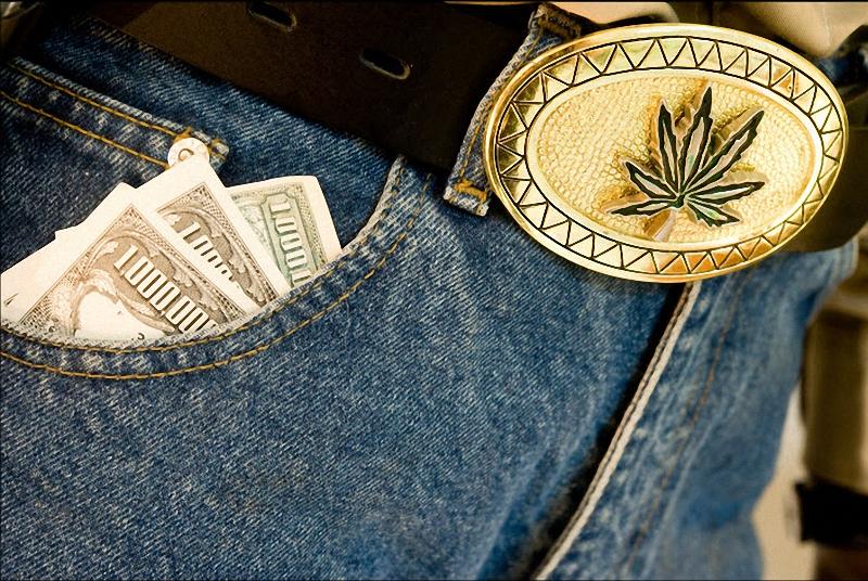 18. Манекен с карманами, полными денег стоит в секции музея, цель которой ознакомление с нарко-культурой. (Sarah L. Voisin-Washington Post)