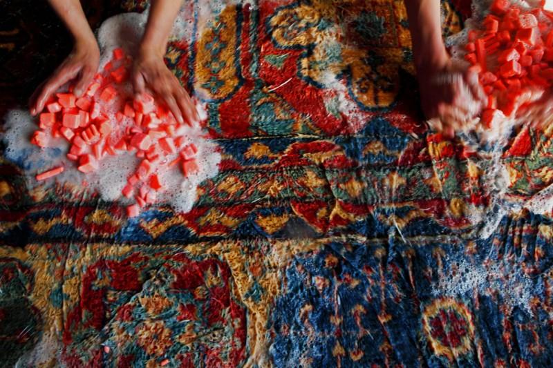 Изготовление ковров в Афганистане