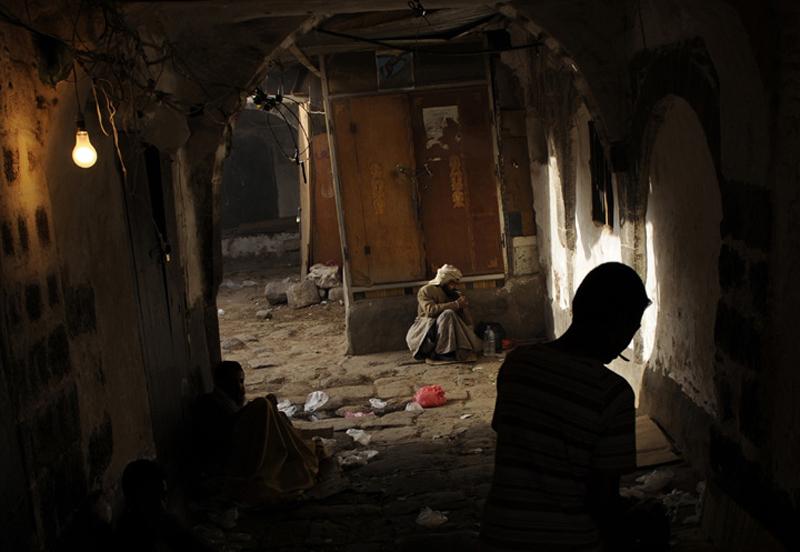 9.  Selama 7 tahun, hanya 14 tahanan Yaman dikirim pulang setelah kamp penjara di Guantanamo.  Mayat dua lagi telah kembali ke keluarga - dengan dugaan bunuh diri di Guantanamo.  (Foto: Lucas Oleniuk / The Toronto Star)