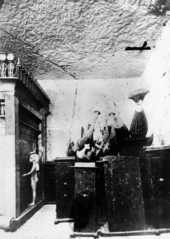 3. Некоторые из сокровищ, найденные в гробнице Тутанхамона в 1923 году. (AP Photo)