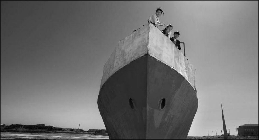 04) Один из кораблей навечно оставшихся в песках, после того как отступила вода.