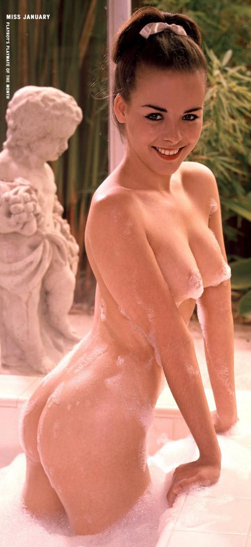 07) На их фоне Джуди Монтерей (Judi Monterey), январь 1963 года, выглядящая точно на свои 19, смотрится очень необычно:
