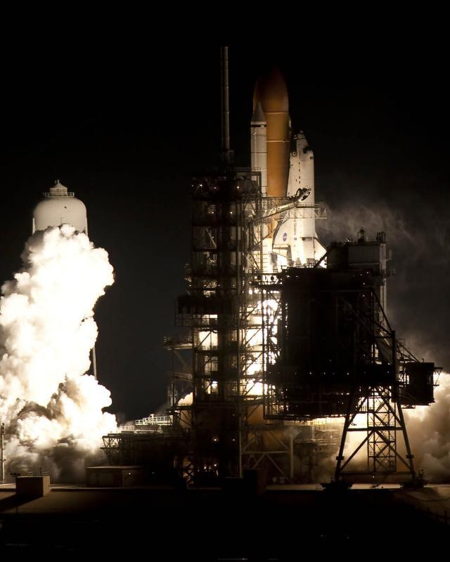 8) Endeavour - последний космический челнок, стартовавший в ночное время. Его запуск состоялся в 04:14 по местному (американскому) времени (в 12:14 по московскому).
