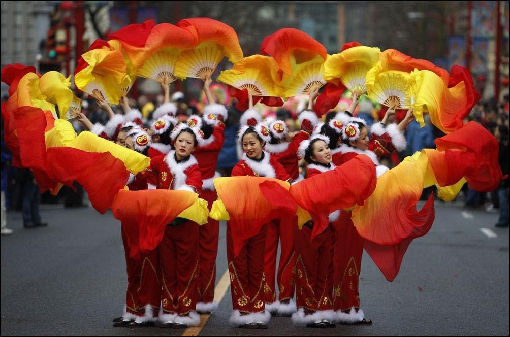 8) Выступление в Чайна-тауне по случаю Китайского нового года в Ванкувере. (Reuters/Chris Helgren)