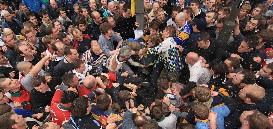 1047 Дербиширский футбол без правил