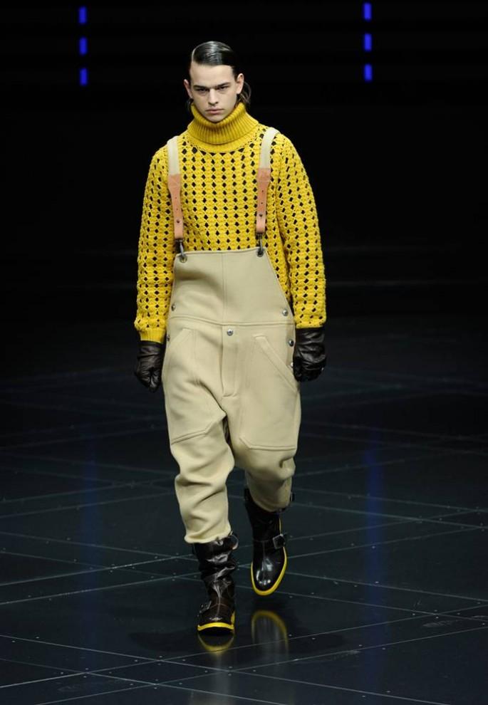 10. Модель в творении от «G-Star» на показе в Нью-Йорке. (Stefan Gosatti / Getty Images)