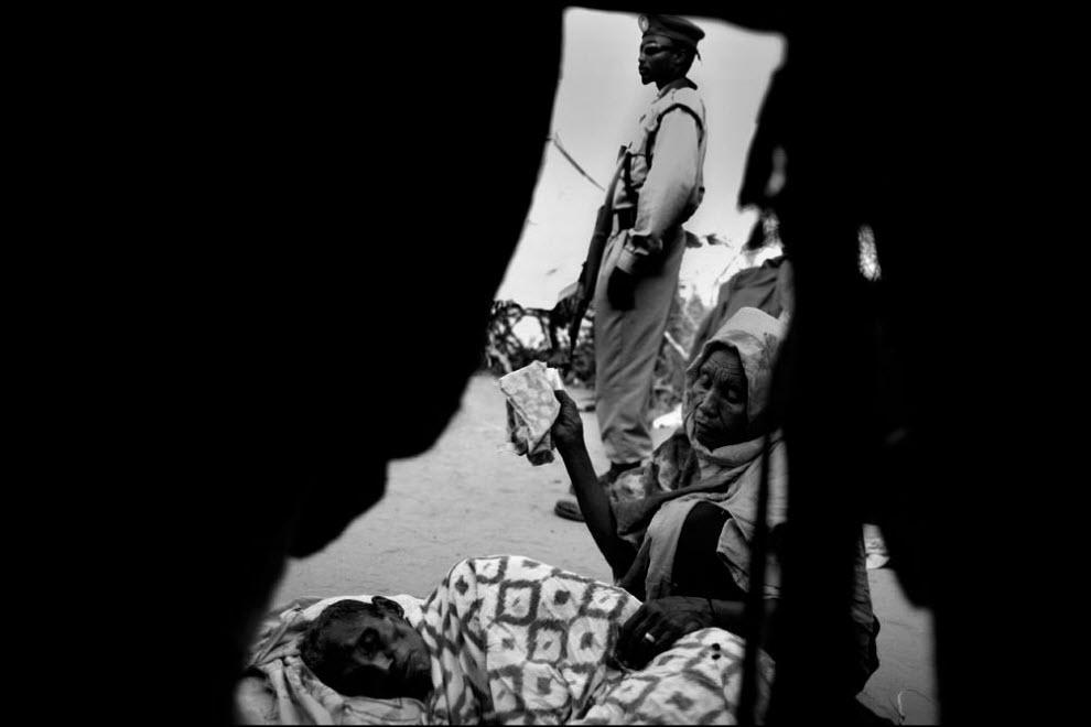 10) Эфиопские беженцы после многонедельных скитаний, Галкайо.