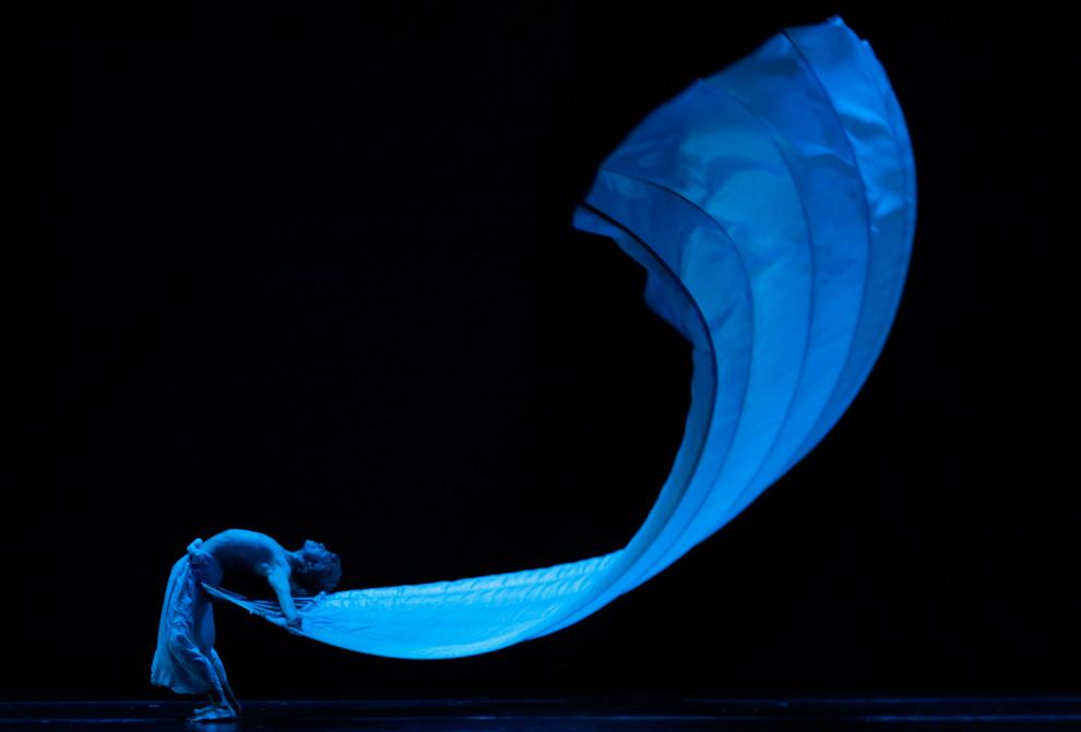 1104 Весь мир танцует