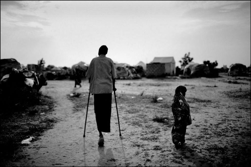 11) Временный лагерь беженцев в Галкайо.