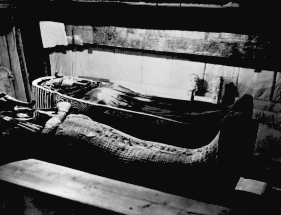 13. Саркофаг в гробнице Тутанхамона. (AP Photo)