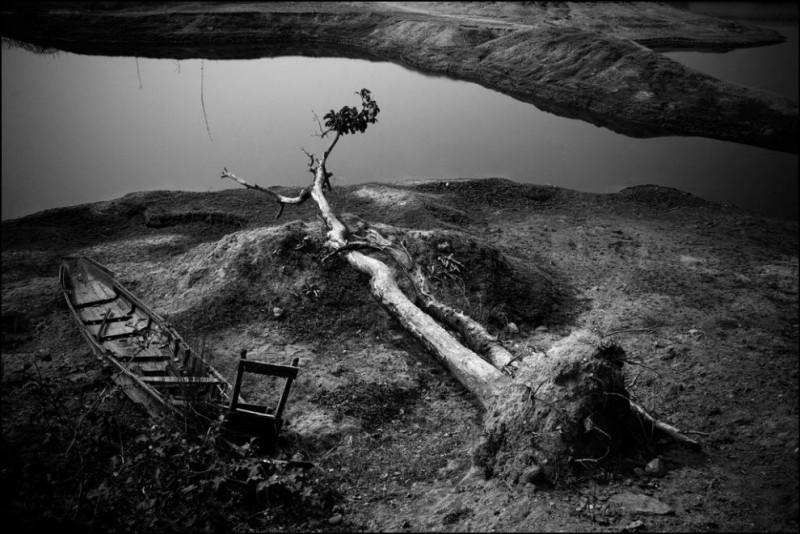 13) Неуправляемые каменоломни Джафлонга представляют большую угрозу окружающей среде, здоровью и сельскому хозяйству.