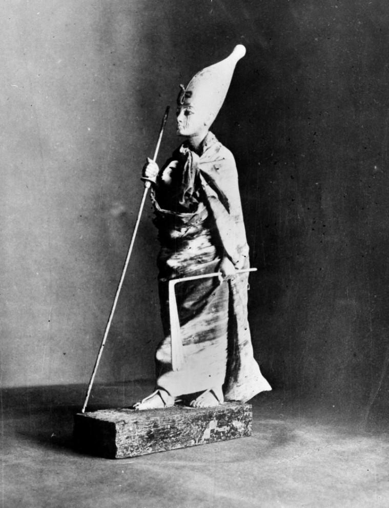 16. Статуя молодого фараона Тутанхамона. Снимок сделан в 1927 году. (AP Photo)