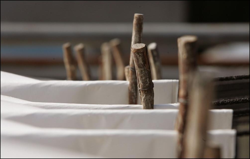 16) Затем бумагу развешивают на просушку, как обычное белье. (Getty Images/Chung Sung Jun)