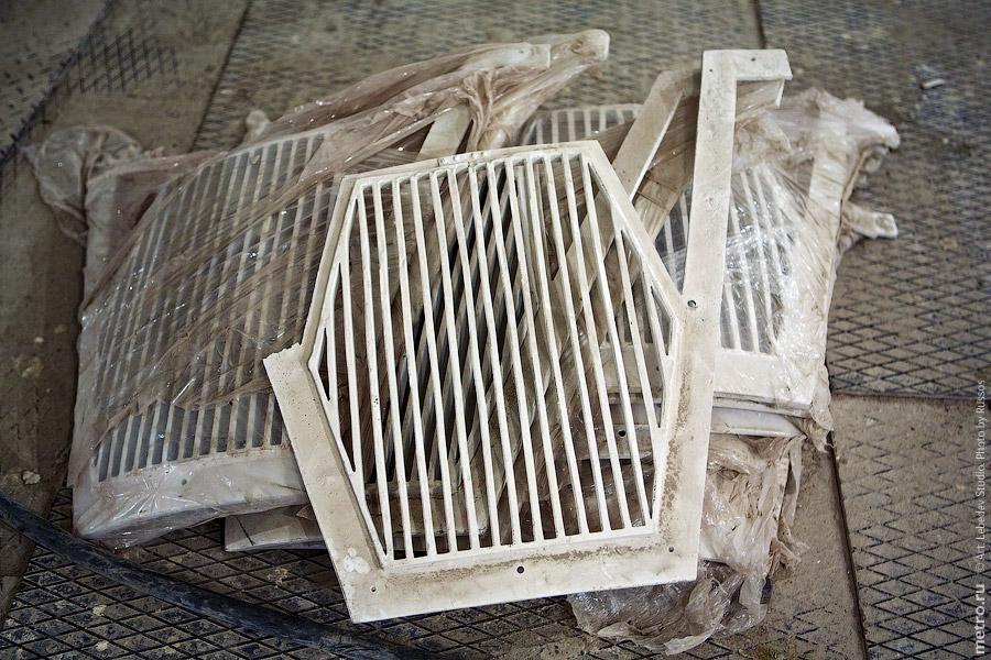 17. Решетки вентиляции ещё ждут своего ремонта.
