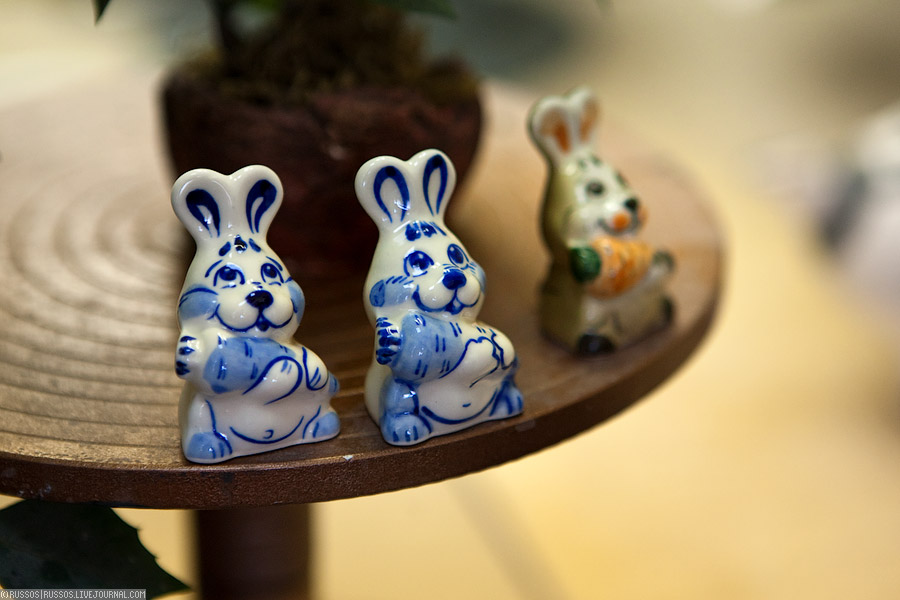 18. А это готовят зайцев к 2011 году, который будет годом кролика.