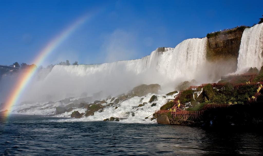 24) Ниагарский водопад. Снято в начале сентября, в 4 часа вечера.