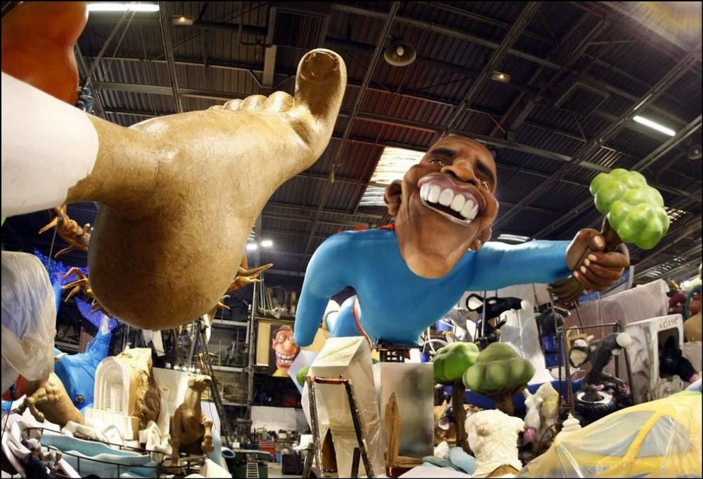 30) Гигантская скульптура Барака Обамы, подготовка к карнавалу в Ницце.