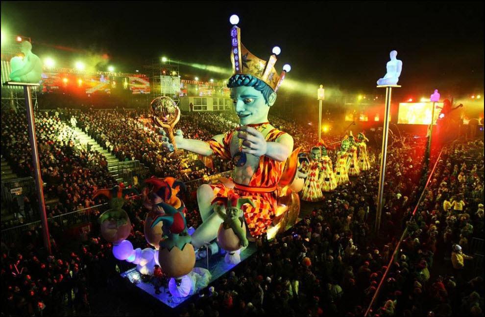 33) Король карнавала в Ницце.