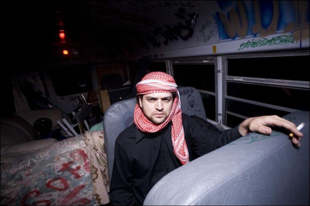 5) Омар Вакар, теперь играет в составе ``Starmust``.