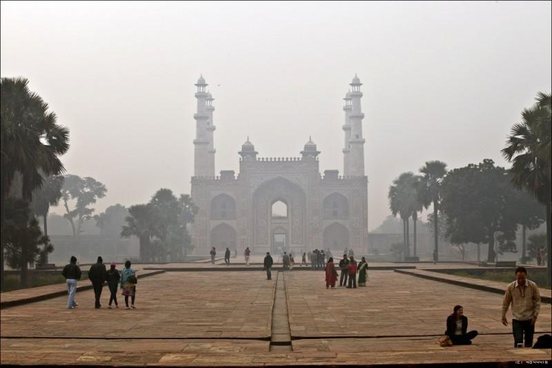 Мавзолей Сикандра в Индии