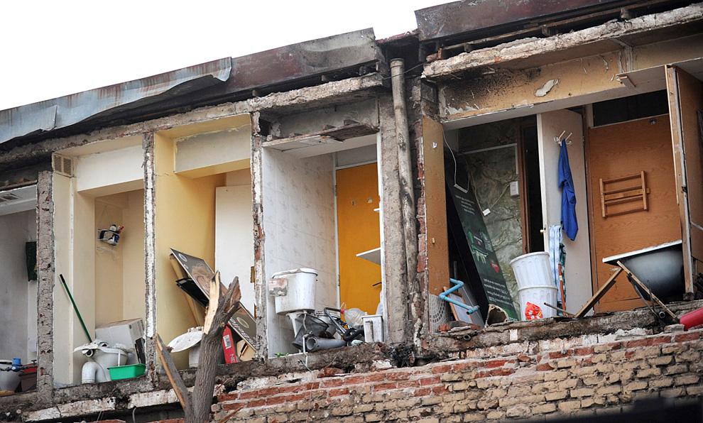11. Стены разрушенной гостиницы в Винья дель Мар. (MARTIN BERNETTI/AFP/Getty Images)