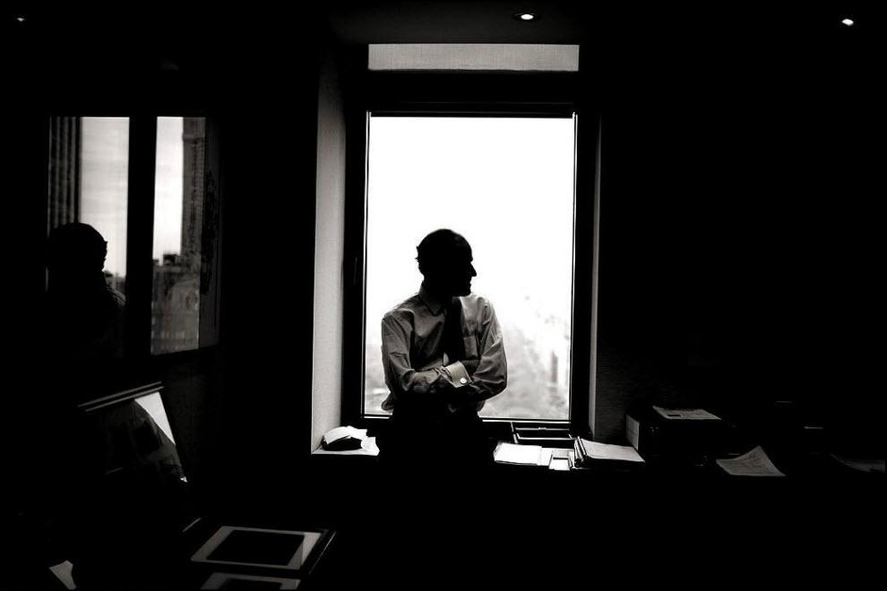 """8) """"Newsweek дал мне задание сделать несколько фото Элиота Спитцера. Я как-то снимал его, поэтому мне поручили это дело. У меня было что-то около 12 минут на все про все."""" Элиот был замешен в сексуальном скандале и в апреле 2009 покинул пост губернатора Нью-Йорка."""