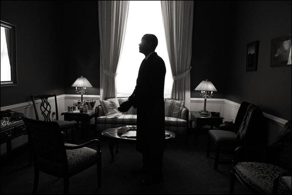 """12) """"Работа в """"Newsweek"""" дала мне возможность войти в жизнь некоторых людей на короткий период времени и оставить себе ее часть. Можно только надеяться, что наши пути с кем-то из них снова пересекутся. Это удивительная работа."""" Барак Обама собирается с мыслями."""