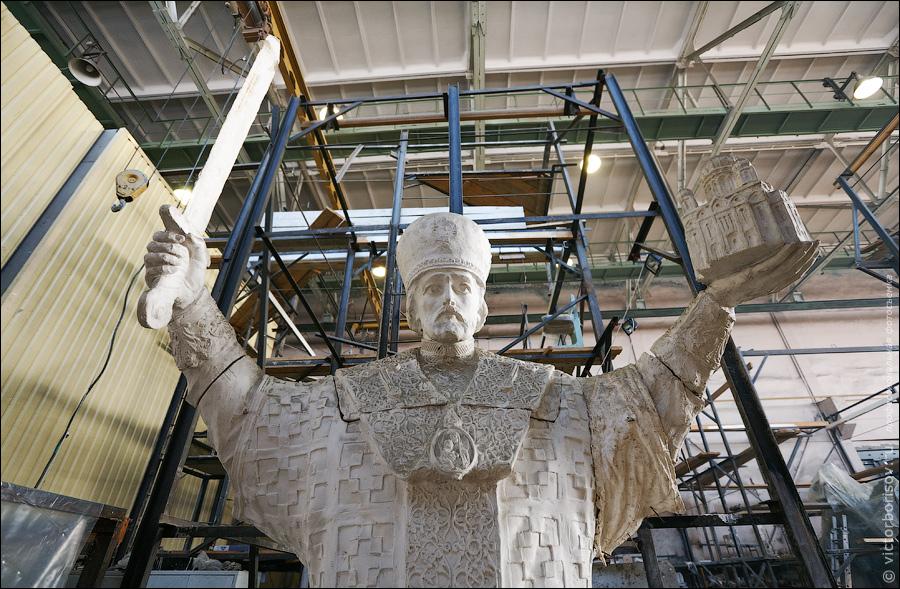 5) Памятник сделанный по этой модели можно увидеть в конце репортажа.