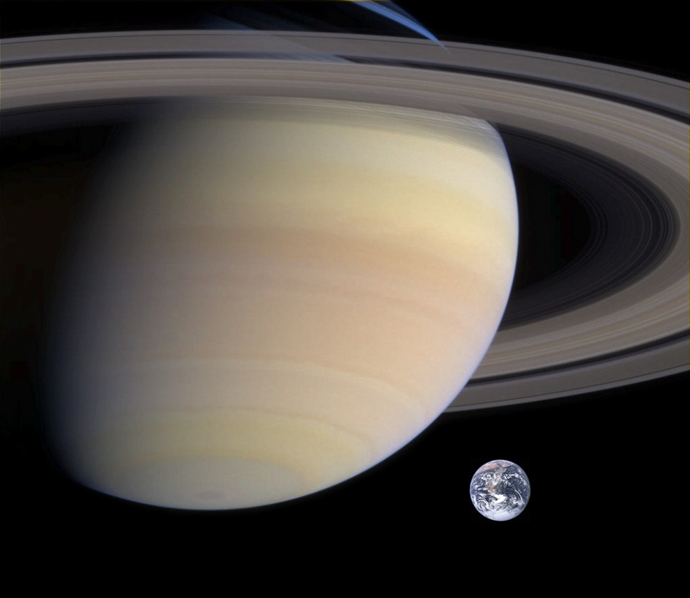 saturn earth size comparison 990x858 Тайны Сатурна