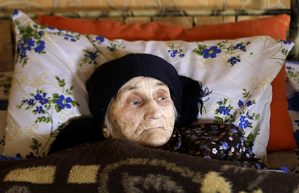 Она считается самым старым человеком в мире - в этом году ей исполняется...