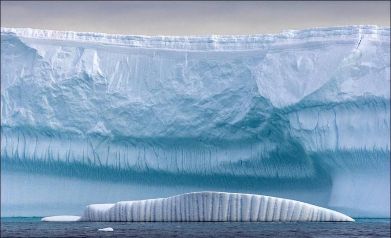 Гигантские ледяные скульптуры