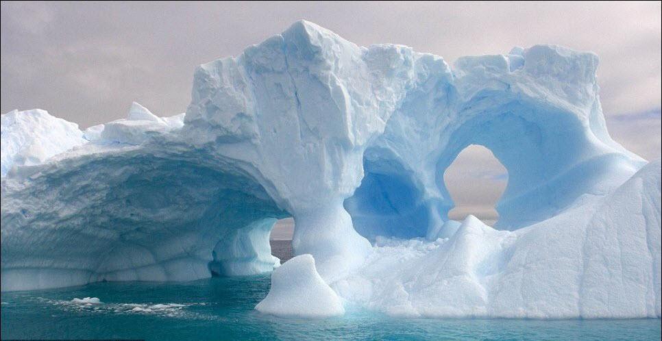 536 Гигантские ледяные скульптуры