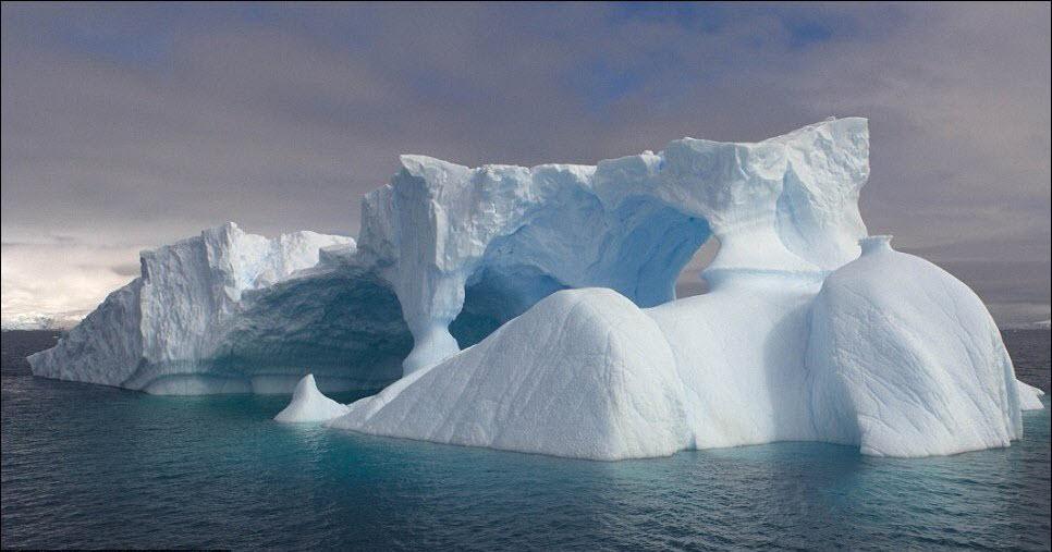 636 Гигантские ледяные скульптуры