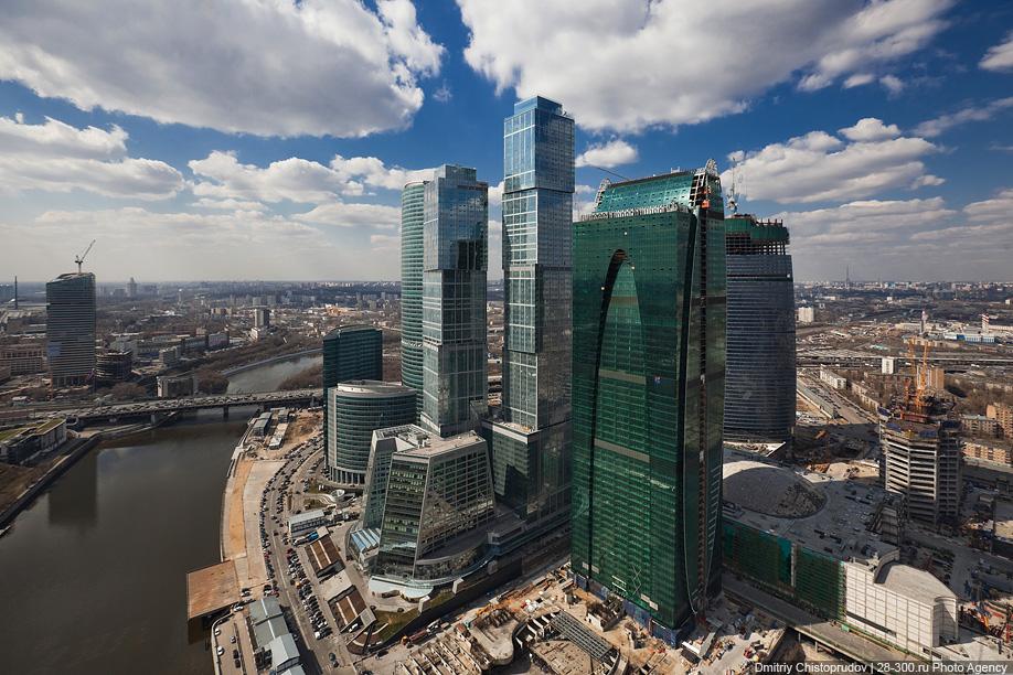0516 Полеты над «Москва Сити»