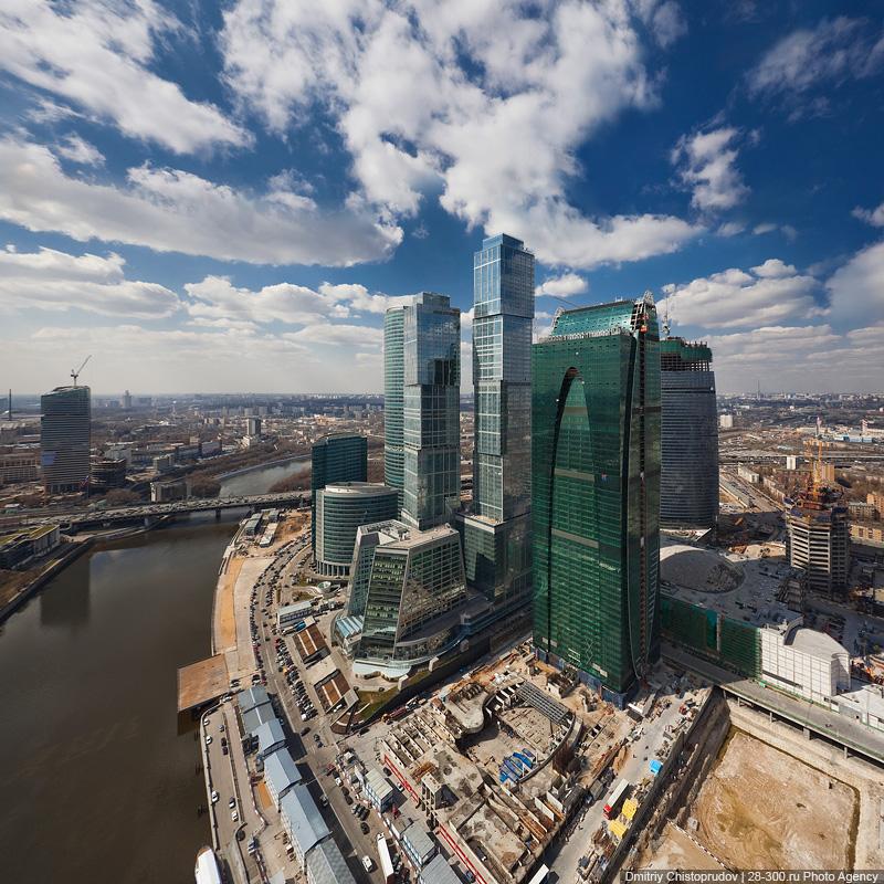 Полеты над «Москва-Сити»