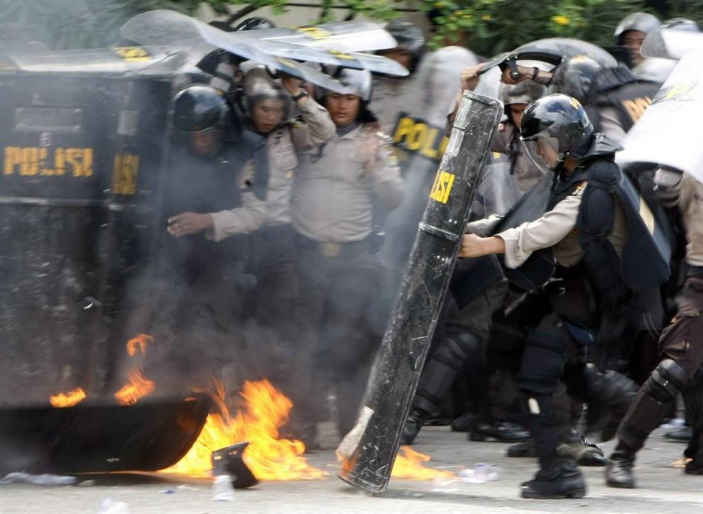 089 990x724 bentrokan di Jakarta