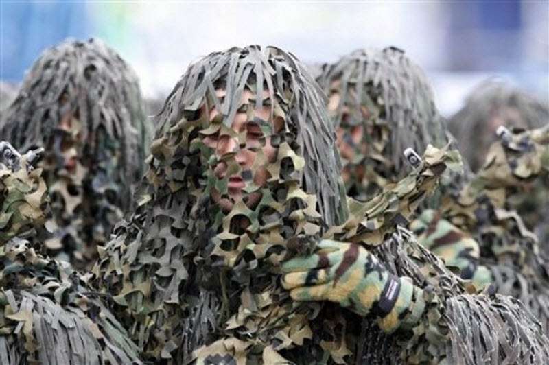 1049 Hari Angkatan Darat di Iran