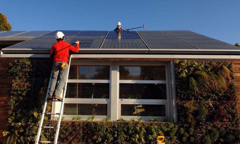 Десятка инвесторов в индустрию чистой энергии