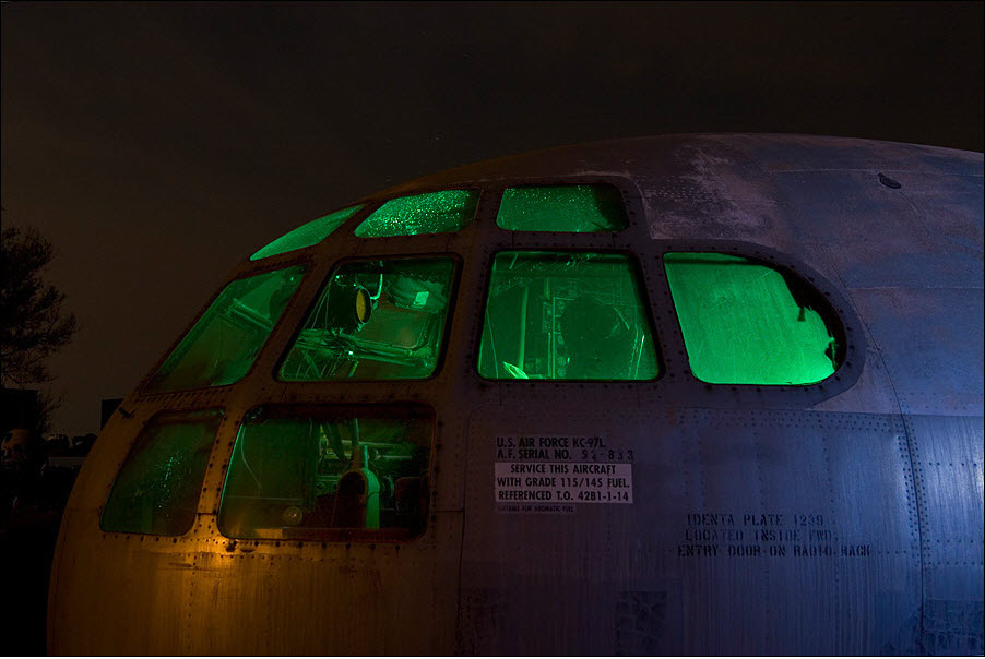 365 Кладбища самолетов