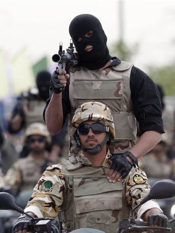 842 Hari Angkatan Darat di Iran